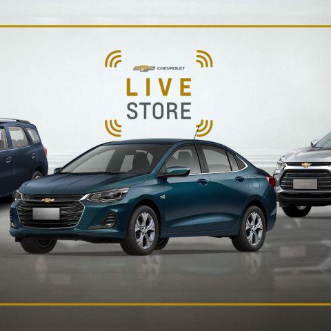 Na imagem aparecem três modelos de veículos da Chevrolet, com os dizeres 'Chevrolet Live Store'.